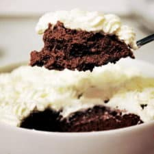 Chocolate mousse on spoon