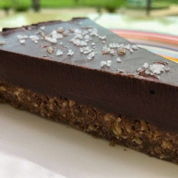 A recipe for salted chocolate truffle cake.